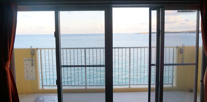 初めての沖縄旅行2日目!海の中にお魚さん発見!水中カメラ楽しいよ!