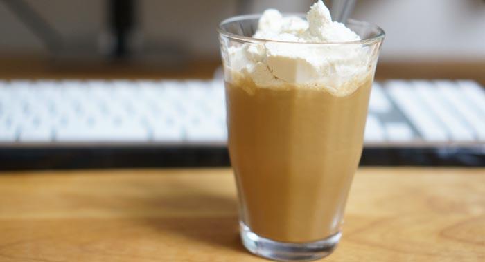 バニラ味のプロティンはコーヒー牛乳で割ると美味しく飲める!