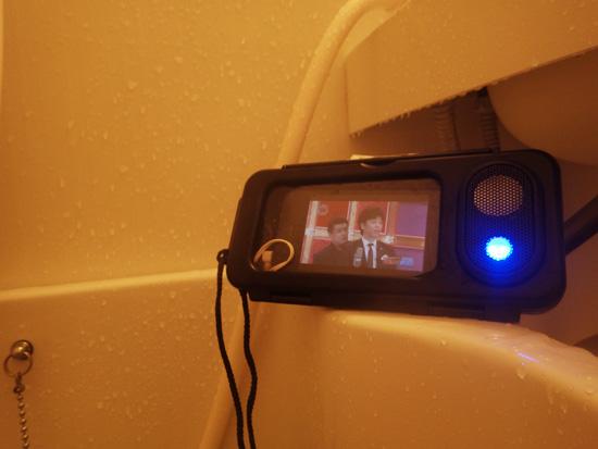 iphoneを使ってお風呂でyoutube観たり、音楽聞いたり至福な時間いかがですか?