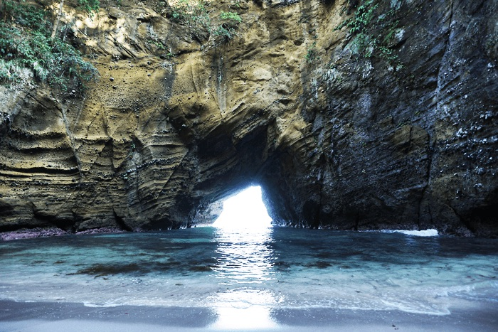 ヒリゾ浜へ行ったらついでに寄りたい!パワースポット 龍宮窟へ行ってきました。