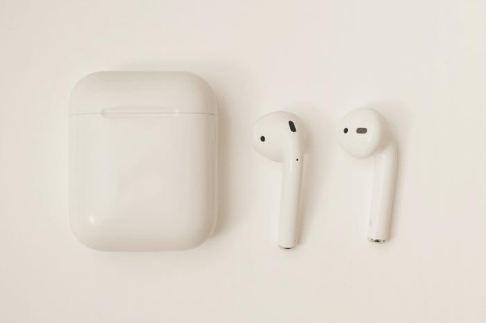 アップルのワイヤレスイヤホンairpodsを購入したけど音が一切途切れなくて快適に使える。感想を書きました。追記あり