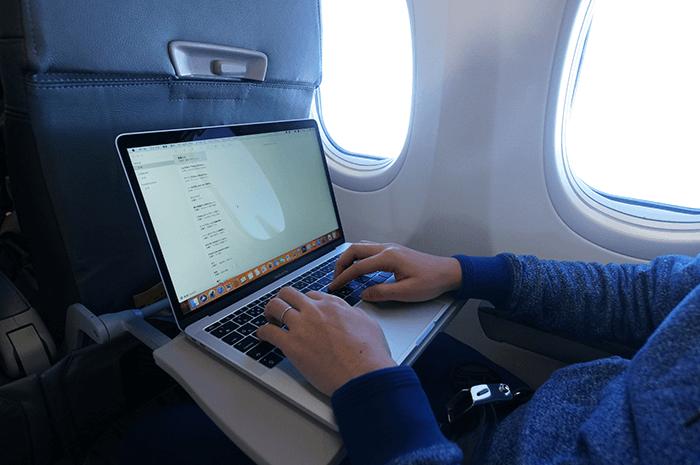 どこでもブログが書けるようにMacBookpro買いましたよ。