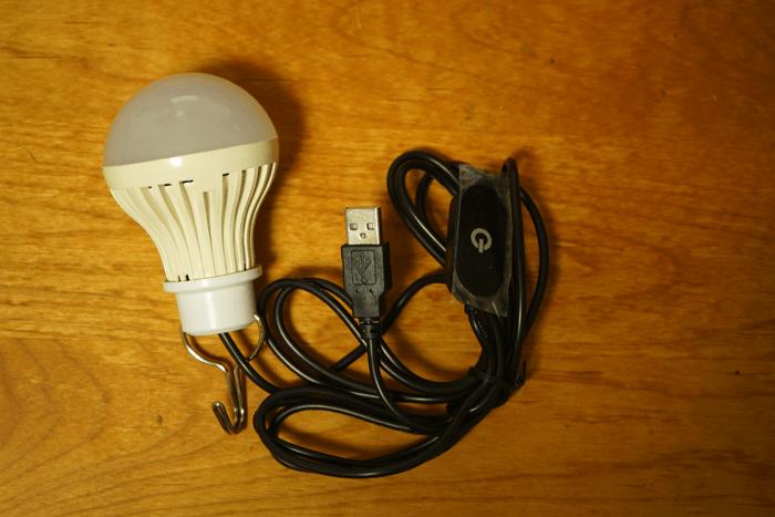 【防災グッズ】USB経由で6畳の部屋が明るくなるライトを買いました。レビュー