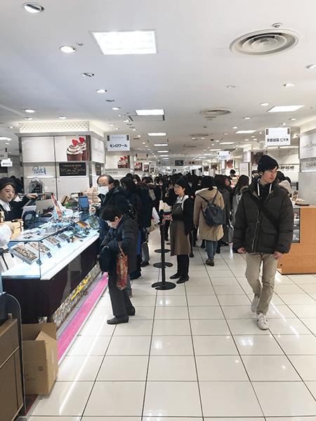 バレンタインで一人2000円徴収される派遣社員の妻がかわいそうな話。