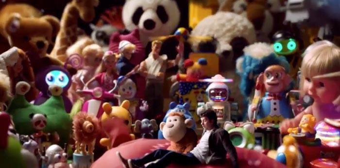 121221_02_toys.jpg