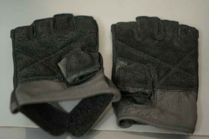 130117_02_Training_glove_04.jpg
